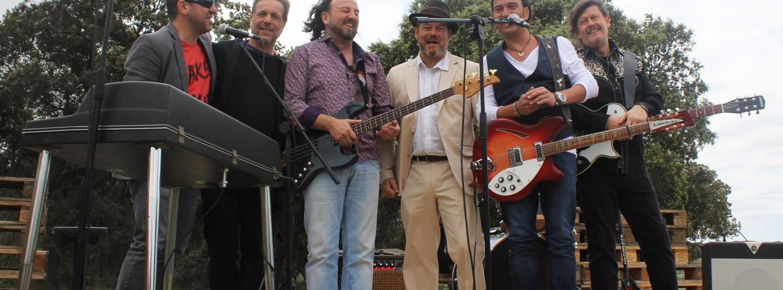 Los secretos estrenan videoclip de 'Ponte en la fila', con la colaboración especial de Jorge Sanz